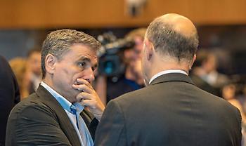 «Μέρες Σόιμπλε» στο Eurogroup: Ολονύχτιο «θρίλερ» για το χρέος και την τελική συμφωνία