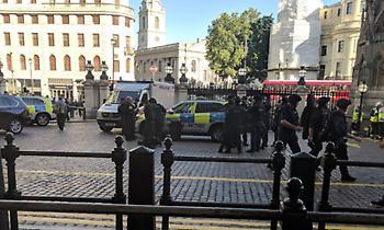 Εκκενώθηκε ο σταθμός Charing Cross στο Λονδίνο - Συνελήφθη ο ύποπτος άντρας