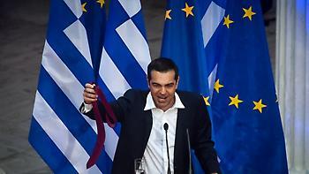 Telegraph: Μάθημα από την Ελλάδα στη Βρετανία - «Αν είναι να παραδοθείς στην ΕΕ, κάντο γρήγορα»