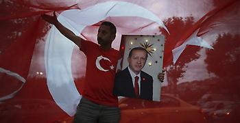 Κοντά σε θρίαμβο ο Ερντογάν ενώ η καταμέτρηση μπαίνει στην τελική ευθεία