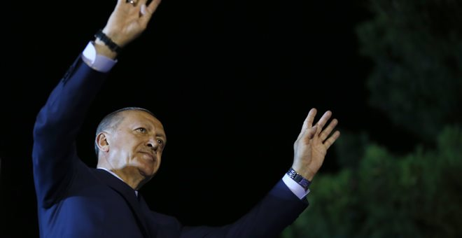 Ο Ερντογάν πανηγυρίζει τη νίκη του και την υπερσυγκέντρωση εξουσιών