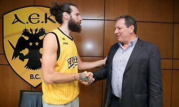 Επίσημο: Στην ΑΕΚ μέχρι το 2021 ο Γιαννόπουλος