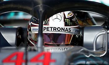 Πρωτιά για Mercedes, ατύχημα για Γκροζάν