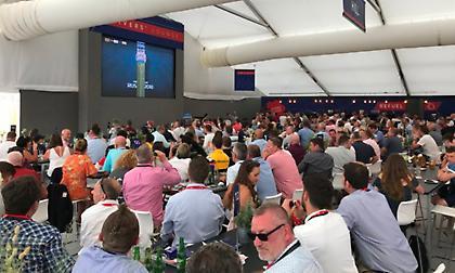 Τρελοί πανηγυρισμοί στα δοκιμαστικά της Formula1 για το γκολ της Αγγλίας (video)