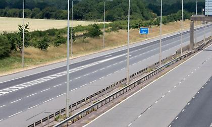 Άδειοι δρόμοι στην Αγγλία κατά τη διάρκεια του αγώνα με την Σουηδία (pics)