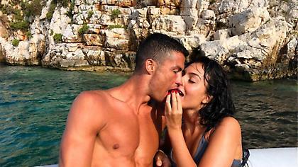 Φωτογραφίες: Με ερωτική διάθεση ο Ρονάλντο στην Ελλάδα