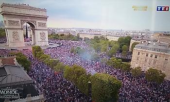 «Κάηκε» από εκατοντάδες χιλιάδες κόσμου το Champs-Elysees στο Παρίσι! (video)