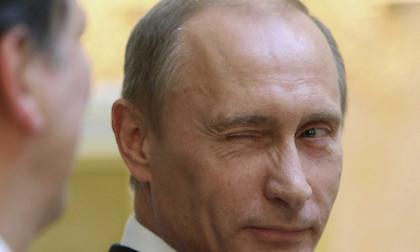 Όλοι λούτσα στον τελικό του Μουντιάλ και ο Πούτιν… αδιάβροχος (pics)