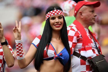 Η τελευταία... παράσταση της hot οπαδού της Κροατίας (pics)