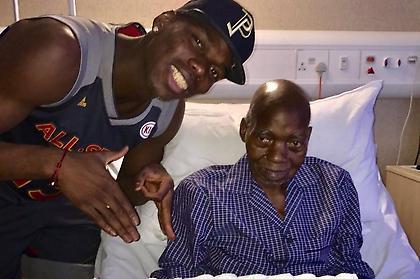 Η συγκινητική αφιέρωση του Πογκμπά στον πατέρα του (pic)