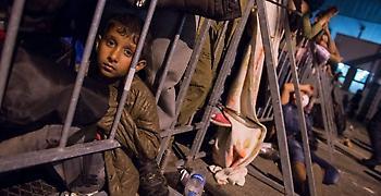 Ιταλία: Δεκτή έγινε η αποβίβαση των 450 μεταναστών