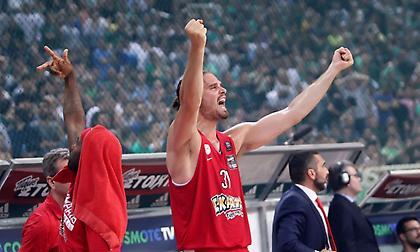 Μπόγρης: «Μάθημα για όλους η τελευταία σεζόν-Τρέλα και πάθος ο Ολυμπιακός»
