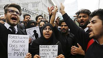 Φρίκη στην Ινδία: Συνελήφθησαν 18 άτομα για αλλεπάλληλους βιασμούς με θύμα 12χρονη