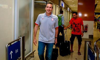 Έφτασε Ελλάδα ο Μπλατ: «Έναν παίκτη ψάχνουμε ακόμη»