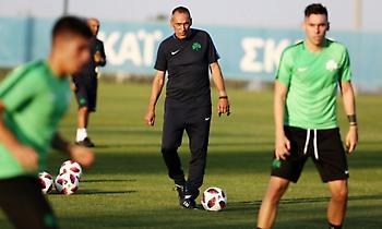 Δώνης: «Στο γήπεδο βλέπω τον προπονητή, όχι τον πατέρα μου»