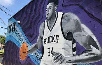 Τοιχογραφία στο Μιλγουόκι έγινε ο Γιάννης Αντετοκούνμπο! (pics)