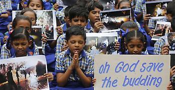 Ταΐλάνδη: Πρώτη δημόσια εμφάνιση των 12 αγοριών που παγιδεύτηκαν στο σπήλαιο
