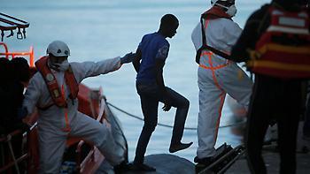 Οι πρόσφυγες στρέφονται προς την Ισπανία-αύξηση ροών στην Ελλάδα