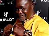 Ο σπουδαιότερος Γκανέζος πυγμάχος Αζουμάχ Νέλσον έγινε 60 χρονών