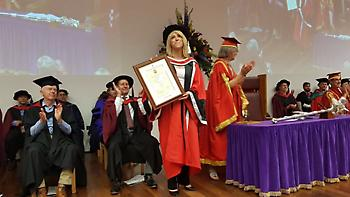 Επίτιμη διδάκτορας στο Πανεπιστήμιο του Essex η Ρένα Δούρου