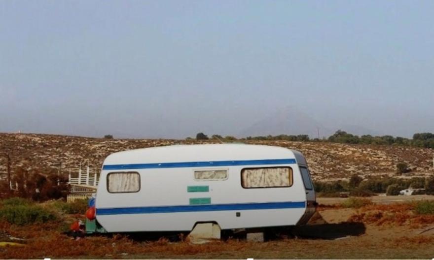Μάλια: Η έντονη δυσοσμία οδήγησε σε ένα μακάβριο θέαμα – Άντρας εντοπίστηκε νεκρός σε τροχόσπιτο