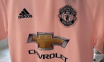 Η νέα ροζ (!) φανέλα της Μάντσεστερ Γιουνάιτεντ