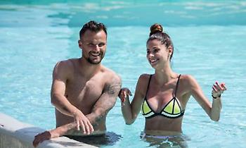 Οι διακοπές του Σεφέροβιτς με τη σέξι Αμίνα στην Ελλάδα (pics)