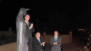 Kύπρος: Συνελήφθησαν 12 άτομα που γιούχαραν τον Καμμένο!