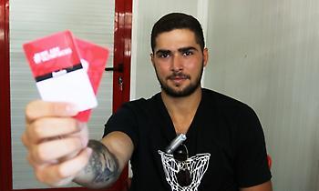 Εξυπηρέτησε τους φίλους του Ολυμπιακού ο Τολιόπουλος (pics/video)