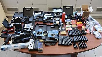 Συνέλαβαν 22 πελάτες του κυκλώματος όπλων της Κρήτης