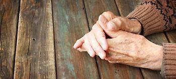 Κρήτη: 70χρονη καταγγέλλει ότι περιμένει πάνω από δυο χρόνια... τεχνητή οδοντοστοιχία