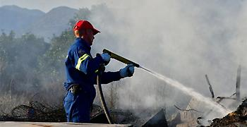 Μεγάλη κινητοποίηση της Πυροσβεστικής λόγω φωτιάς στην Κινέτα