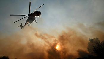 Μεγάλη φωτιά στην Κινέτα- Εγκαταλείπουν τα σπίτια τους οι κάτοικοι - Καπνός πνίγει όλη την Αθήνα