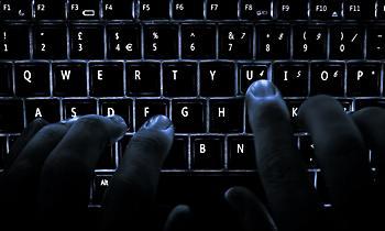 Tι να κάνετε όταν σας εκβιάζουν στο διαδίκτυο