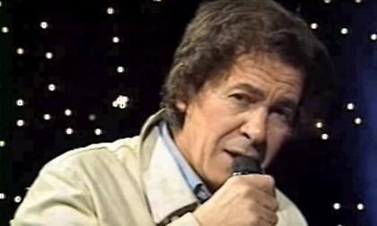 «Έφυγε» ο τραγουδιστής Γιάννης Καρανίκας