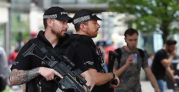 Βρετανία: Αυτοκίνητο έπεσε σε μπάρες του βρετανικού κοινοβουλίου