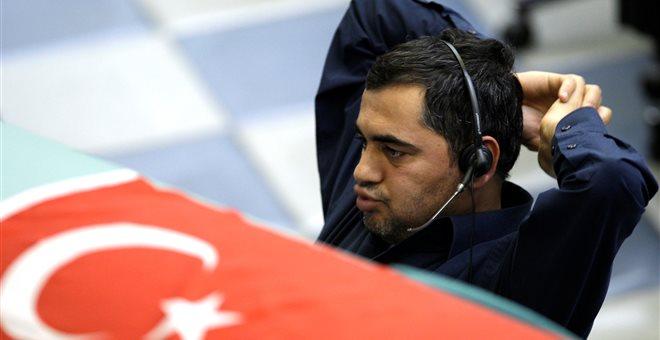 Προς capitals controls η Τουρκία; «O Eρντογάν αρνείται την πραγματικότητα»