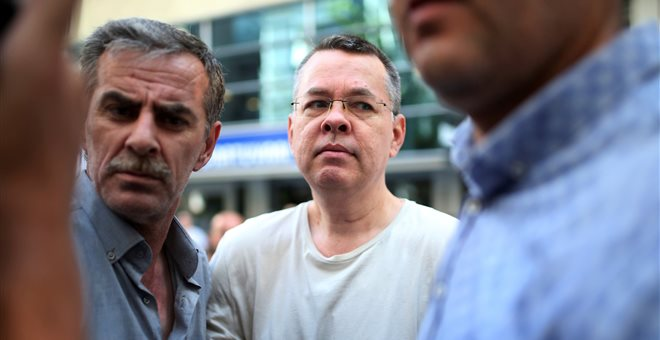Hurriyet: Εξελίξεις στην υπόθεση Μπράνσον μέσα στο Σαββατοκύριακο