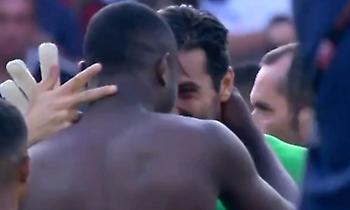 Απίθανο βίντεο: Ο Μπουφόν έπαιξε αντίπαλος με τον γιο του Τουράμ και άλλαξαν φανέλες (video)