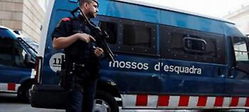 Βαρκελώνη: Επίθεση με μαχαίρι σε αστυνομικούς -Φώναξε «Αλλάχ ακμπάρ» ο δράστης