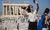 Η αύξηση στην άφιξη τουριστών κατά 22,3% συμπαρέσυρε τις εισπράξεις