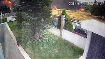 Φωτογραφίες-ντοκουμέντο: Η στιγμή της έναρξης της φωτιάς της 23ης Ιουλίου