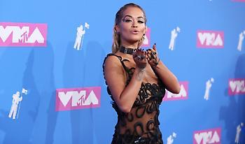 Σχεδόν γυμνή στα βραβεία του MTV η Ρίτα Όρα (pics)
