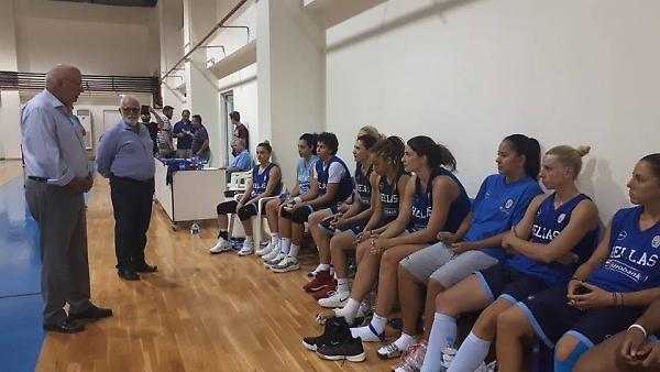 Επισκέφτηκε την Εθνική Γυναικών ο Βασιλακόπουλος