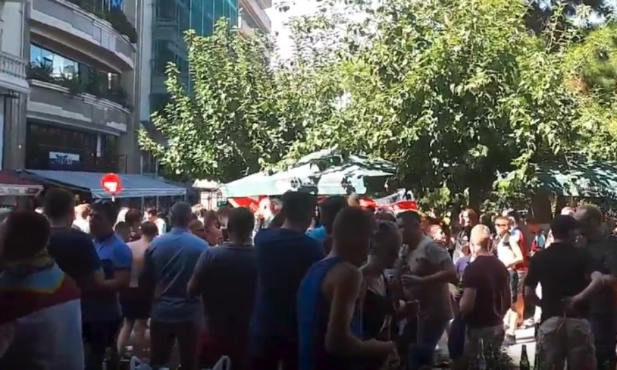 Πάρτι στην Αθήνα από 1.000 και πλέον οπαδούς της Μπέρνλι (vids)