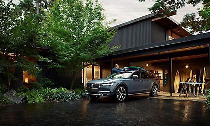 Volvo V90 Cross Country: Λατρεύει την περιπέτεια