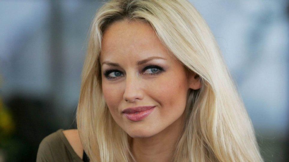Μαμά στα 46 της για πρώτη φορά η Αντριάνα Σκλεναρίκοβα