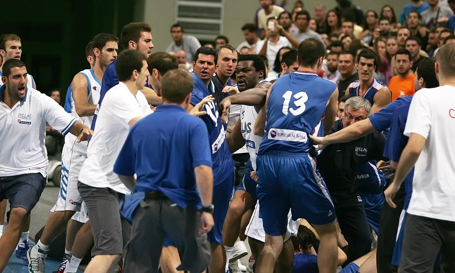 Ελλάδα-Σερβία: Νίκες, μια οδυνηρή ήττα και... πολύ ξύλο