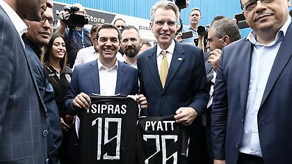Τσίπρας: «Ευχάριστα νέα για τον ΠΑΟΚ στην ομιλία μου το βράδυ» (video)