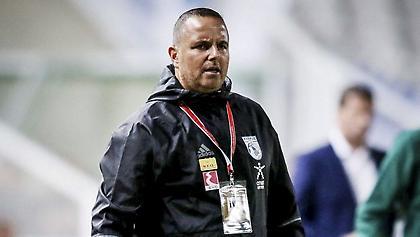 Μπεν Σιμόν: «Αξίζουν τον σεβασμό μας οι ποδοσφαιριστές μου»